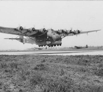 Военно-транспортен самолет Мe-323
