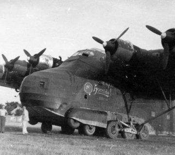 Военно – транспортен самолет Me 323 - колесникът отблизо