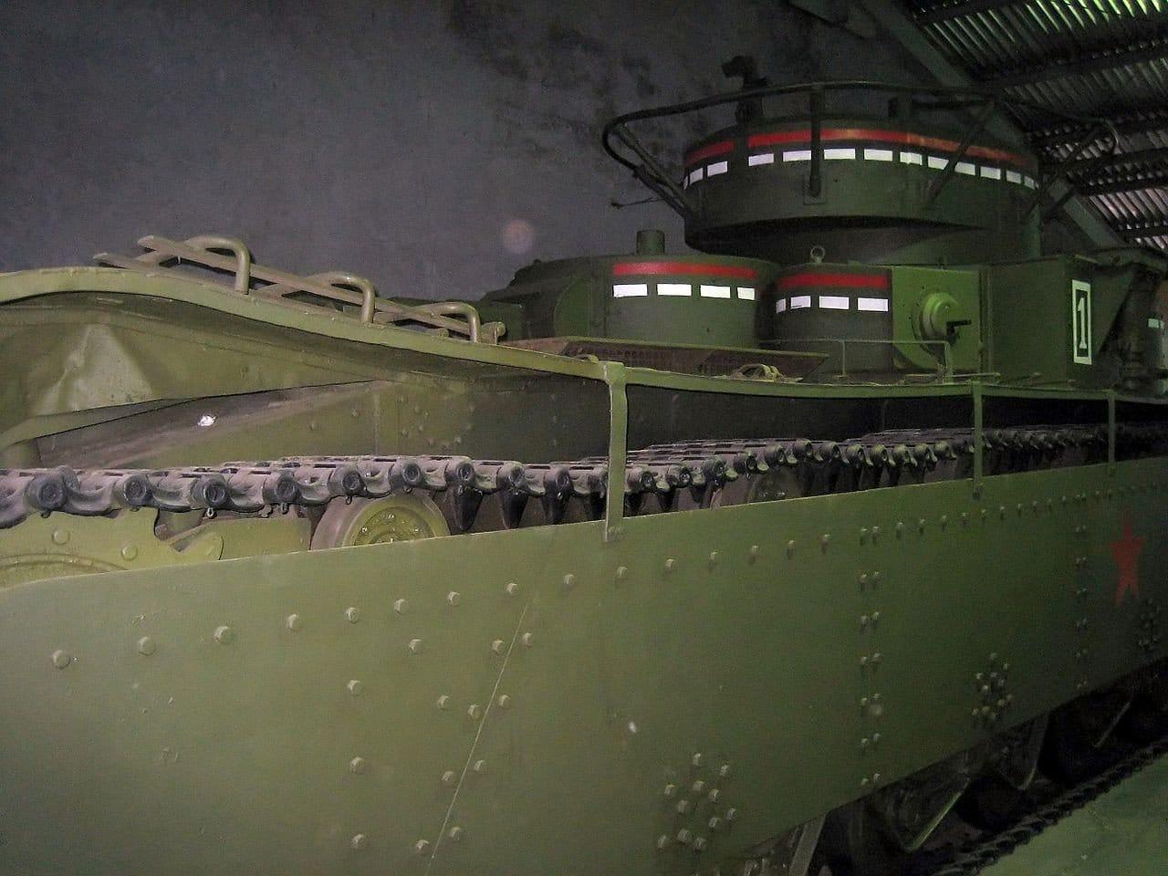 Многокуполен танк Т-35 - отзад