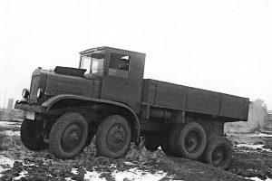 ЯГ-12 четириосен камион