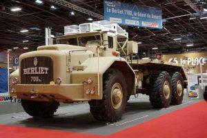 Гигатският камион Berliet T100