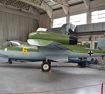 изтребителят Heinkel He 162