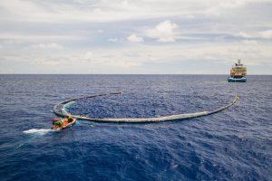 Почистване на пластмасата от океаните