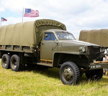 Най-важният камион през Втората СВ - Studebaker US6