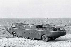 Амфибията ЗИЛ-135 П