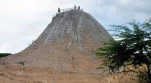 Вулкана El Totumo в Колумбия