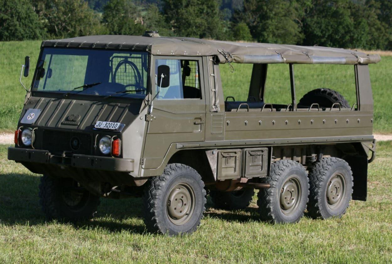Военният камион Pinzgauer