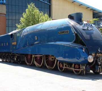 Най-бързия парен локомотив Mallard 4468