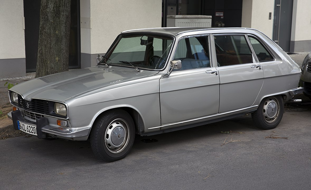 Първият хечбек Renault 16 е революция в автомобилостроенето